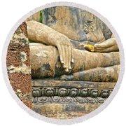 Golden Fingernails On Sitting Buddha At Wat Mahathat In Sukhothai Historical Park-thailand Round Beach Towel