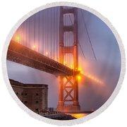 Golden Gate In Fog Round Beach Towel