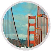 Golden Gate Walkway Round Beach Towel