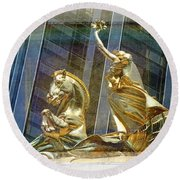 Golden Horse In The City Round Beach Towel