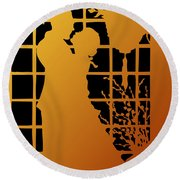 Golden Silhouette Of Couple Embracing Round Beach Towel