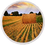 Golden Sunset Over Farm Field In Ontario Round Beach Towel