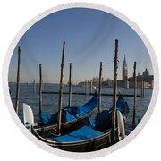 Gondolas In The Bacino Di San Marco Round Beach Towel