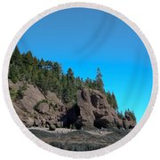 Gorgeous Rock Formations Round Beach Towel