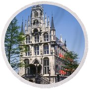 Gouda City Hall Round Beach Towel
