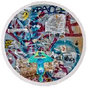 Graffitis Round Beach Towel