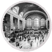 Grand Central Station -pano Bw Round Beach Towel