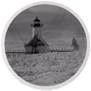 Saint Joseph Michigan Lighthouse In Winter Round Beach Towel