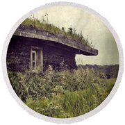 Grass Roof On Cottage Round Beach Towel