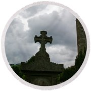 Grave Cross And The Round Tower Round Beach Towel