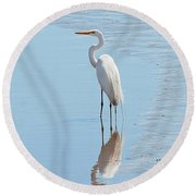 Great Egret And Reflection Round Beach Towel