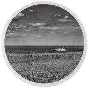 Great Lakes Boating Round Beach Towel