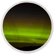 Green Northern Lights And Myriad Of Stars Round Beach Towel