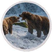 Grizzlies Fighting Round Beach Towel