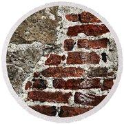 Grunge Brick Wall Round Beach Towel
