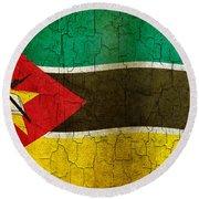 Grunge Mozambique Flag Round Beach Towel