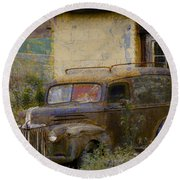 Grungy Vintage Ford Panel Truck Round Beach Towel