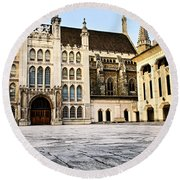 Guildhall Building And Art Gallery Round Beach Towel