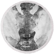 Guitar Siren In Black And White Round Beach Towel