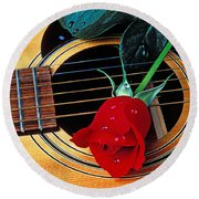 Guitar With Single Red Rose Round Beach Towel