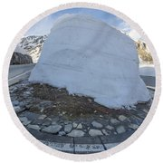 Hairpin Bend With Snow Round Beach Towel