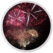 10715 Hamburg Winter Dom Fireworks Round Beach Towel