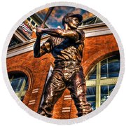 Hank Aaron In Hdr Round Beach Towel