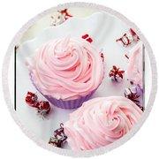 Happy Birthday Cupcakes Round Beach Towel