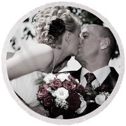 Happy Bride And Groom Kissing Round Beach Towel
