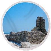 Harbor Island Ruins Round Beach Towel