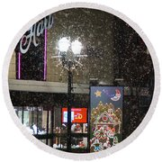 Hart In The Snow - Grants Pass Round Beach Towel
