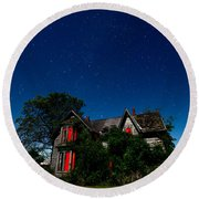 Haunted Farmhouse At Night Round Beach Towel