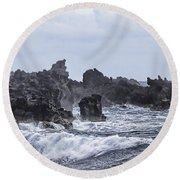 Hawaii Waves V1 Round Beach Towel
