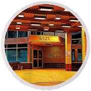 Hdr Medical Building Round Beach Towel