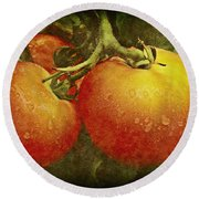 Heirloom Tomatoes On The Vine Round Beach Towel