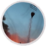 Helicopter Drops Water On White Draw Fire Round Beach Towel