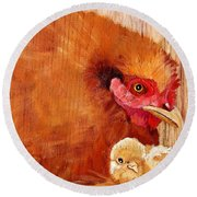 Hen With Chick On Wood Round Beach Towel