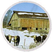 Hereford Barn Painting Round Beach Towel