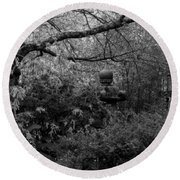 Hidden Garden In Black And White Round Beach Towel