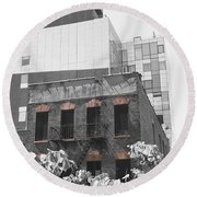 High Line View Of Architecture Black And White Round Beach Towel