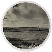 High Tide Of The Confederacy Black And White Round Beach Towel