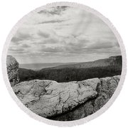 Hikers Standing On The Rocks, Gertrudes Round Beach Towel