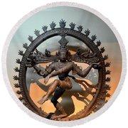 Hindu Statue Of Shiva In Nataraja Dance Pose Round Beach Towel