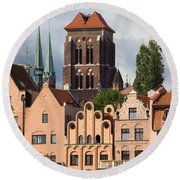 Historic Houses In Gdansk Round Beach Towel