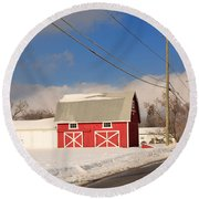 Historic Red Barn On A Snowy Winter Day Round Beach Towel