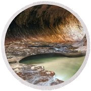 Hole In The Wall Round Beach Towel