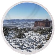 Holeman Spring Basin Round Beach Towel