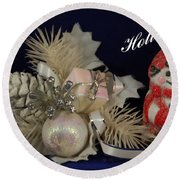 Holiday Greeting Round Beach Towel