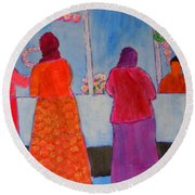 Holiday Shoppers On Prince Island Round Beach Towel