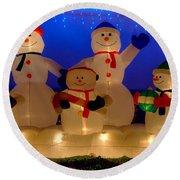 Holiday Snowmen 2 Round Beach Towel